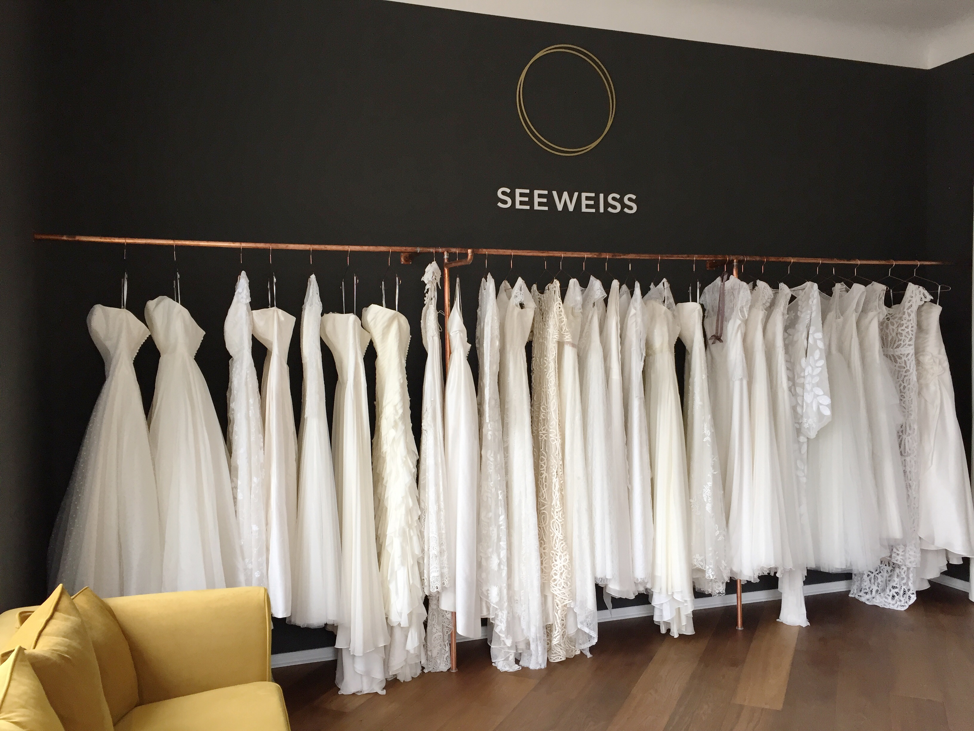 WE WELCOME SEEWEISS TO OUR JUVELAN FAMILY seeweiss anna kara rue de seine bridal jewellery braut schmuck brautschmuck bridalgown bridaldress brautkleid braut2016 braut2017 wedding hochzeit armband halskette ohrringe earrings necklace bracelet pearls perlen