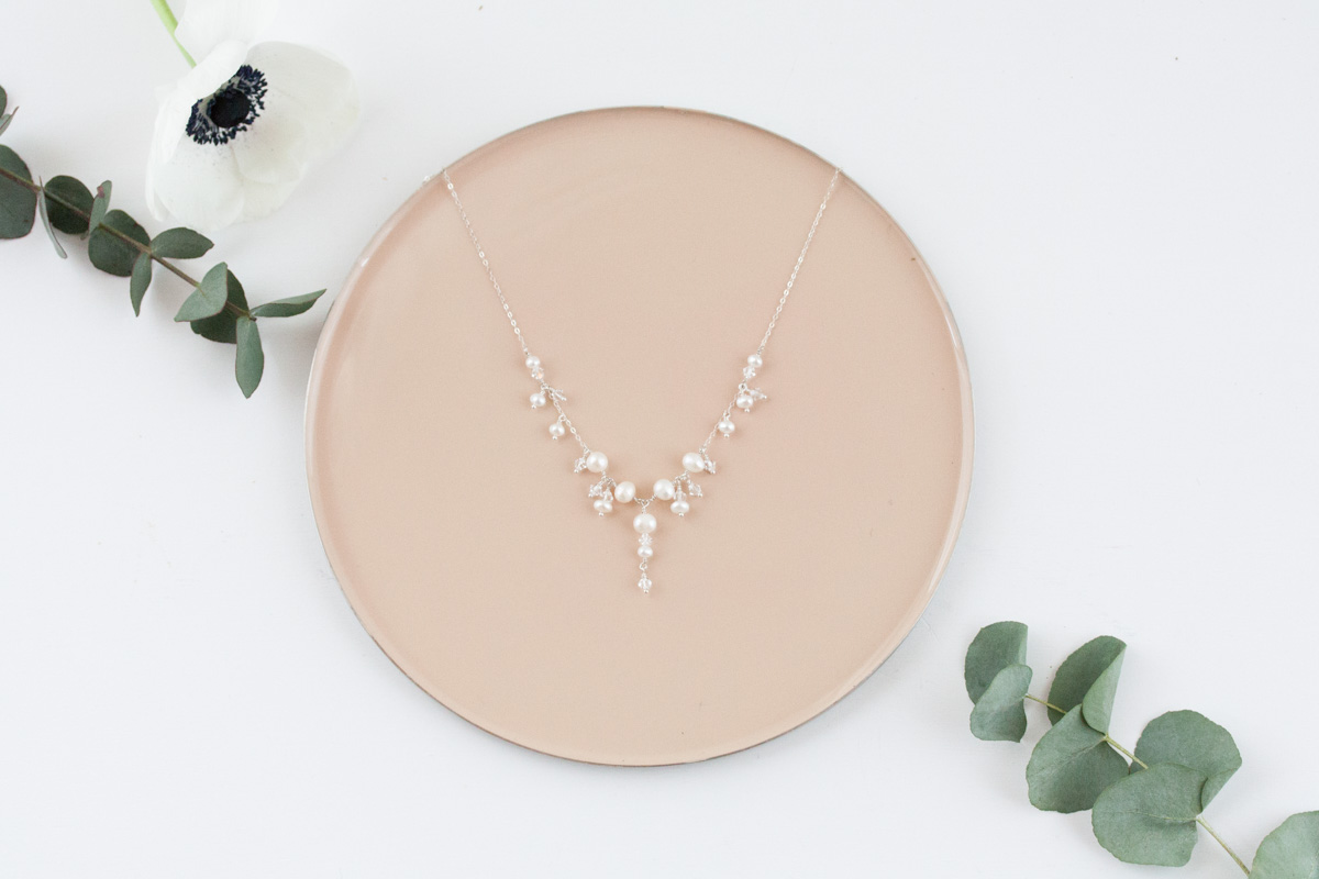 "NECKLACE ""INVINCIBLE LOVE"" The perfect jewellery is like the perfect wedding dress – one look is enough to know: that's it! Have you fallen in love at first sight with this timelessly beautiful necklace?"