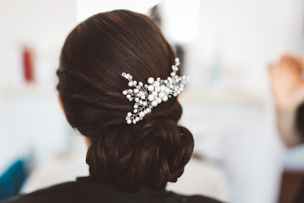 "Classic Updo | Hair comb ""Treasure"" for Jil"