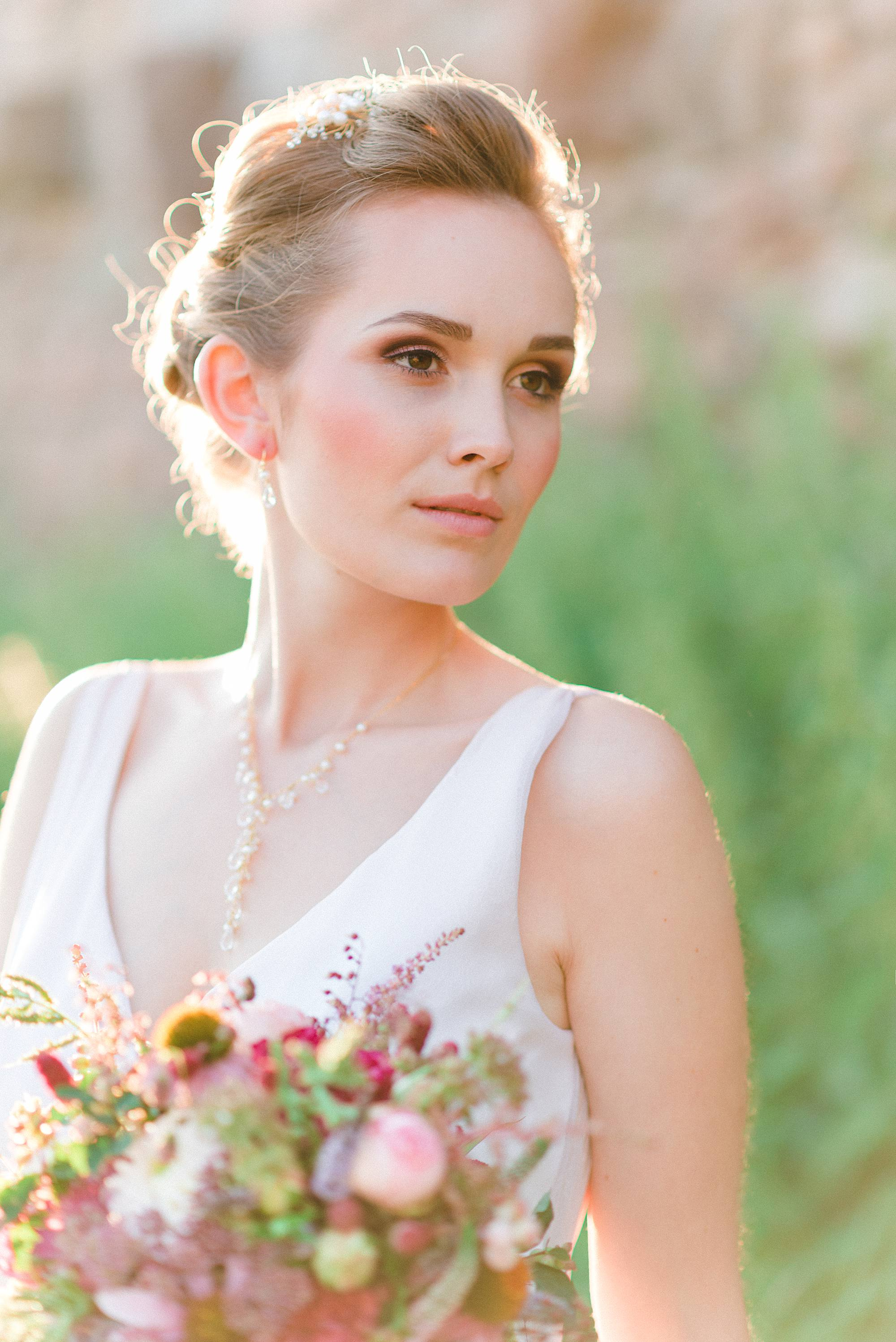 Bridal jewellery for an autumn wedding