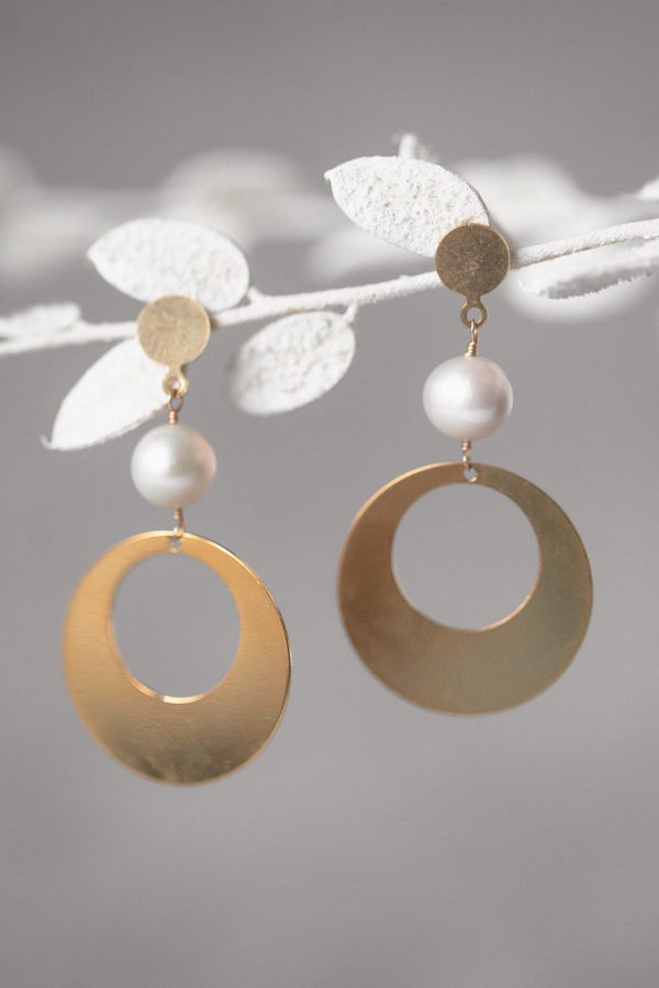 EMBRACE | large boho bridal disc earrings with pearls